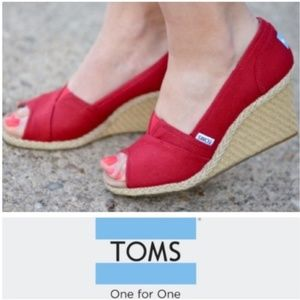#17 TOMS Canvas Espadrille Wedge Heels Red 8.5